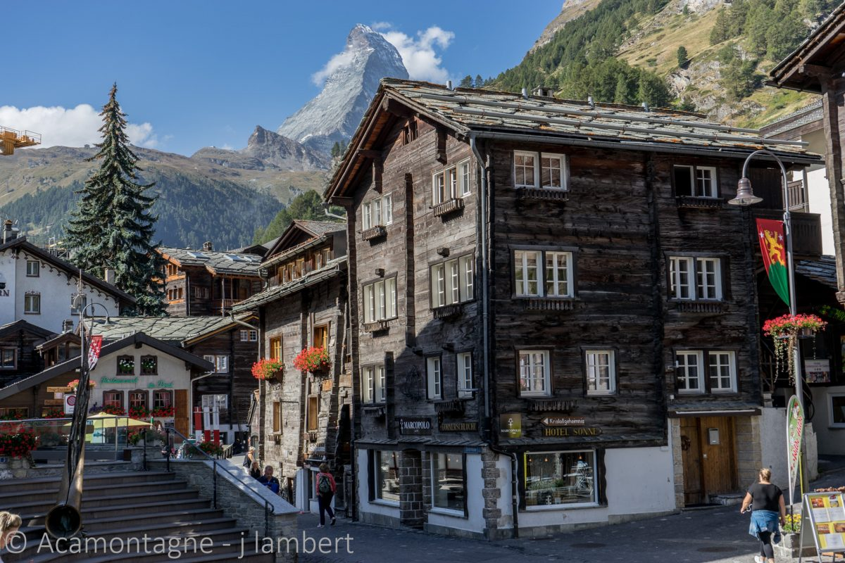 Centre ville de Zermatt. Rue principale